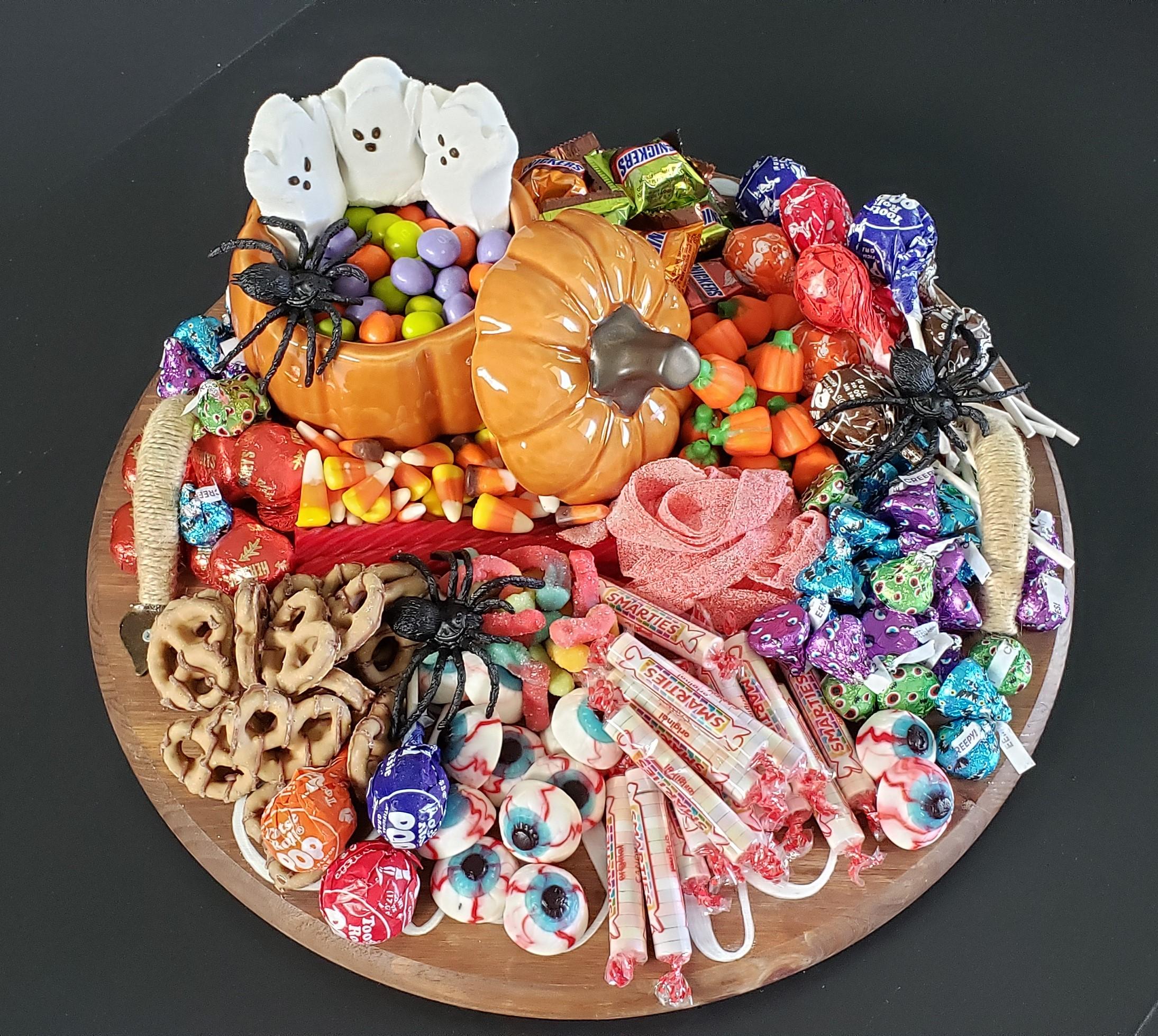 Easy Halloween Candy Charcuterie Board